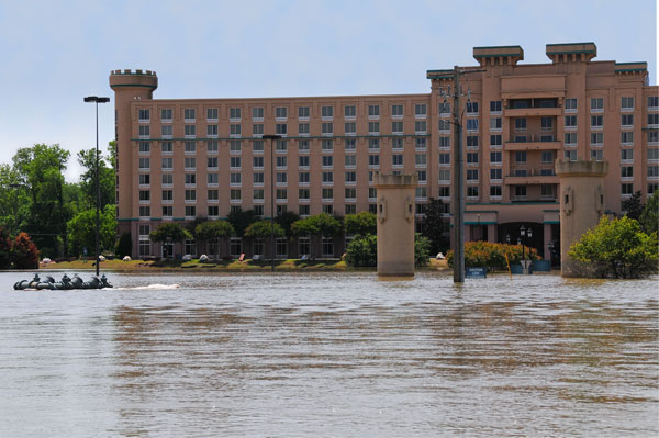 Read more about the article 9 Condo Units Water Damage and Extraction in Marco Island, FL
