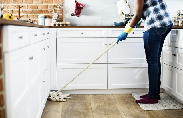 Read more about the article House cleaning After the Holidays in Southwest Florida