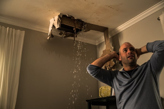You are currently viewing Signs of Ceiling Water Damage in Southwest Florida